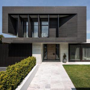 modern-house-exterior-VHJVCXE-min