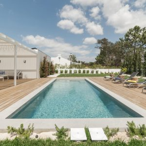 modern-house-with-garden-swimming-pool-and-wooden--VA6BJ9Y-min